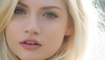 Почему сильным женщинам нравится ходить без макияжа