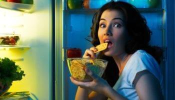 Что можно есть на ночь, без вреда для фигуры. Советы известного диетолога.