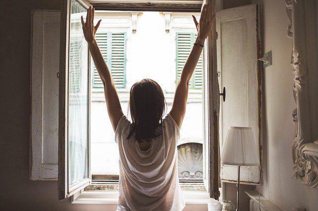 4 утренних ритуала, которые снимают тревогу