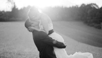 Что делает настоящий мужчина, когда встречает свою женщину